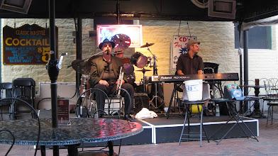 Photo: Yine Cafe, yine Jazz!