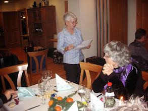 Photo: Pünktlich um 18.30 h eröffnete unsere Präsidentin Margrit Siesgrist den Chlausenhock