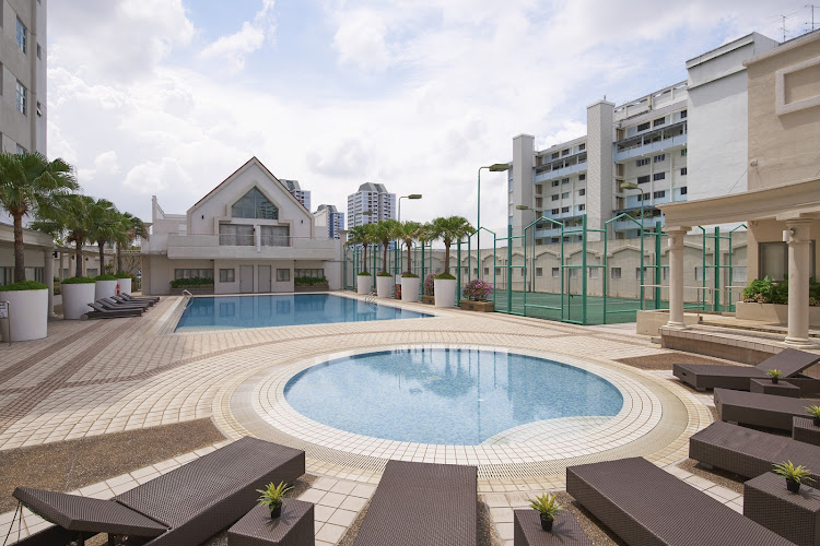 village-residence-west-coast-pool-tennis-court-at
