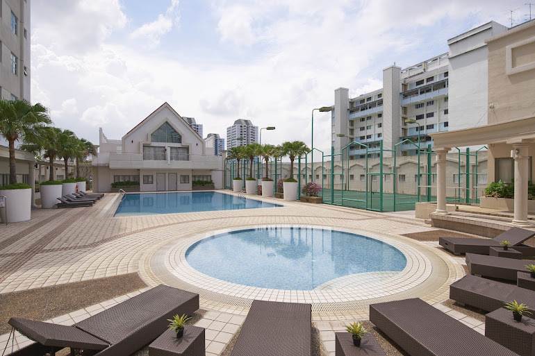 Luxury pool at West Coast Road Apartments, Clementi