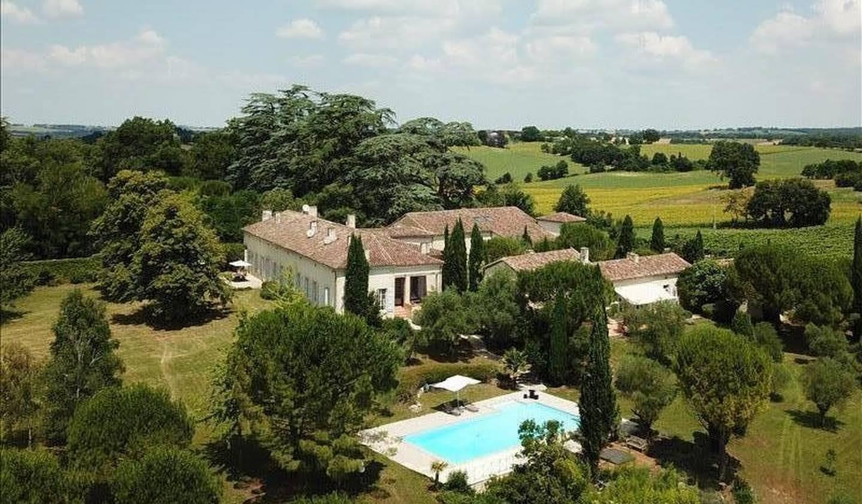 Property with pool La Romieu