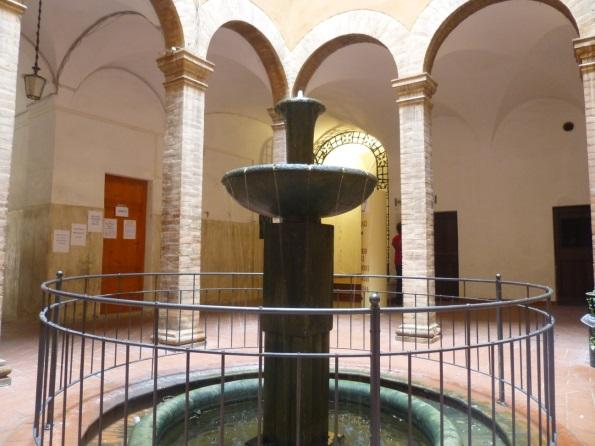 C:\Users\Gonzalo\Desktop\Documentos\Fotografías\La Toscana\103_PANA\103_PANA\P1030313.JPG