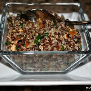 Healthy Quinoa Salad With Apricots and Almonds
