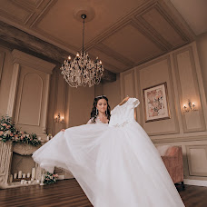 Wedding photographer Valeriya Yarchuk (valeriyarsmile). Photo of 17.02.2018