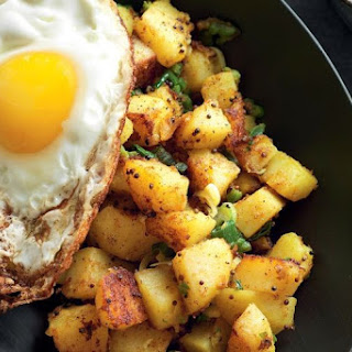 easy Indian spiced potatoes with fried egg