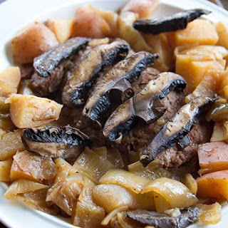Crockpot Flat Iron Steak with Portobello Mushrooms & Potatoes