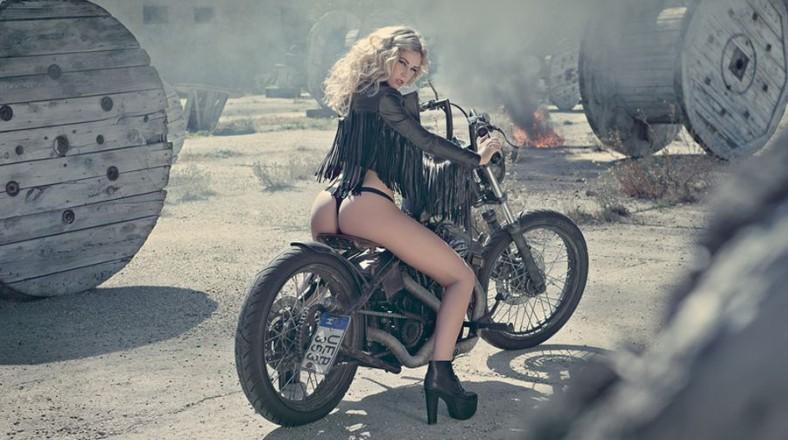 Leonie Hagmeyer-Reyinger, Miss Tuning, Calendar 2014, coches, pasiones, mujeres, vehículos, Calendario Pirelli