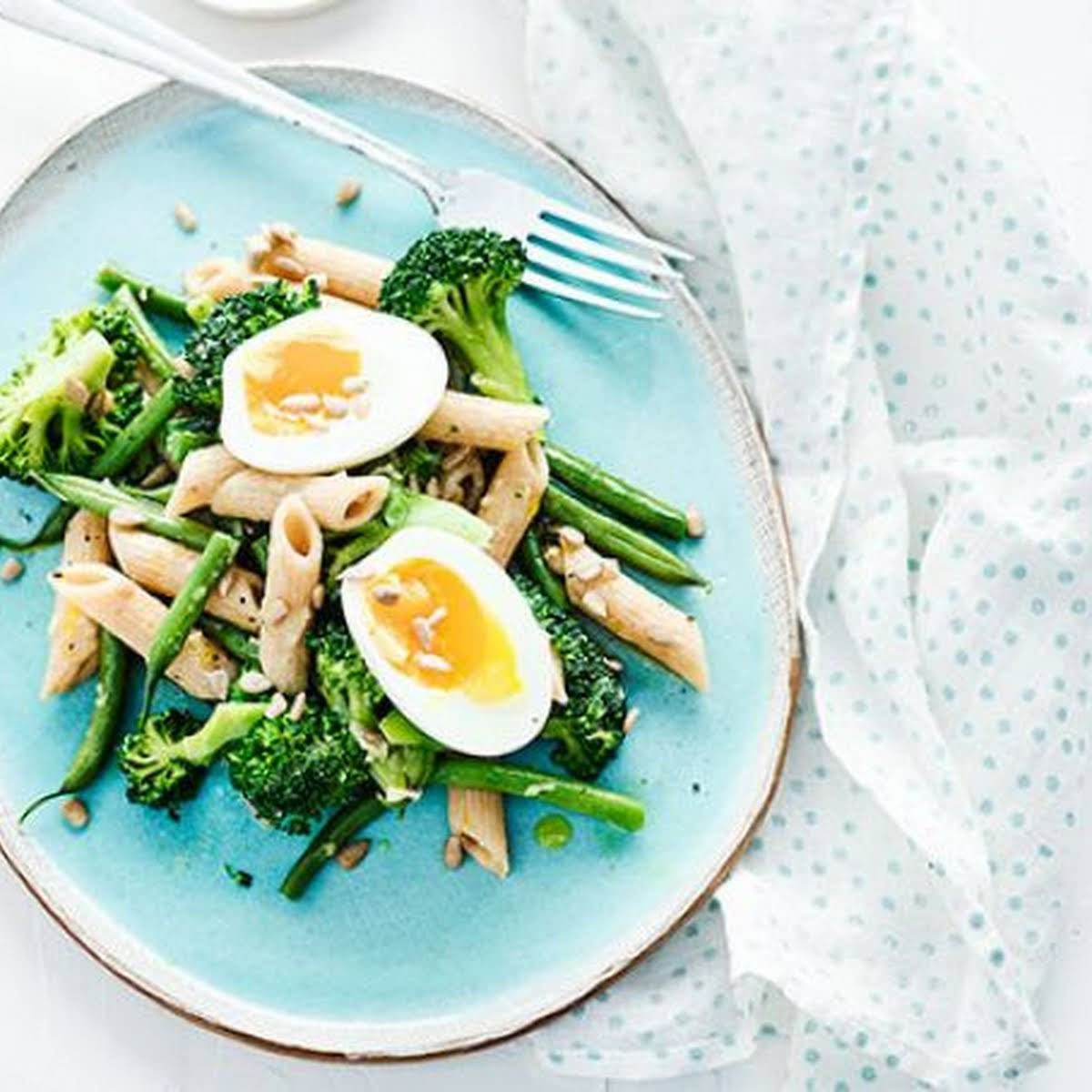 Broccoli Pasta Salad With Eggs & Sunflower Seeds