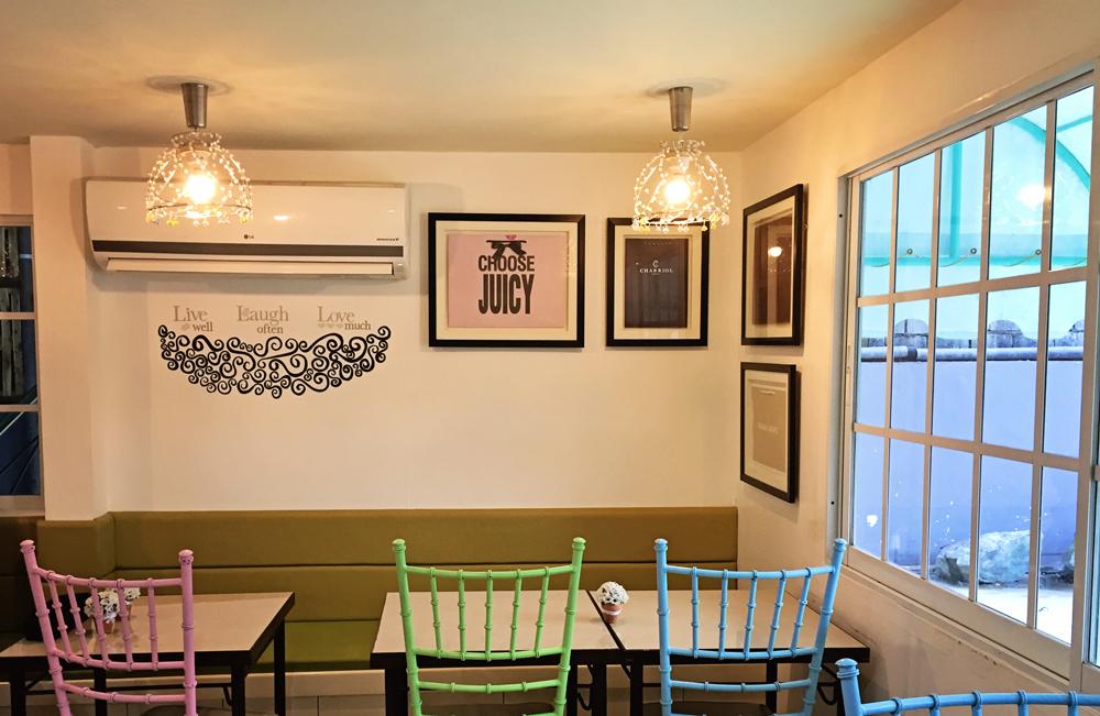 Vaneaty Resto Cafe Wall