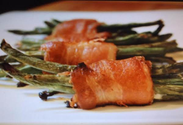 Turkey Bacon Wrapped Green Bean Bundles Recipe