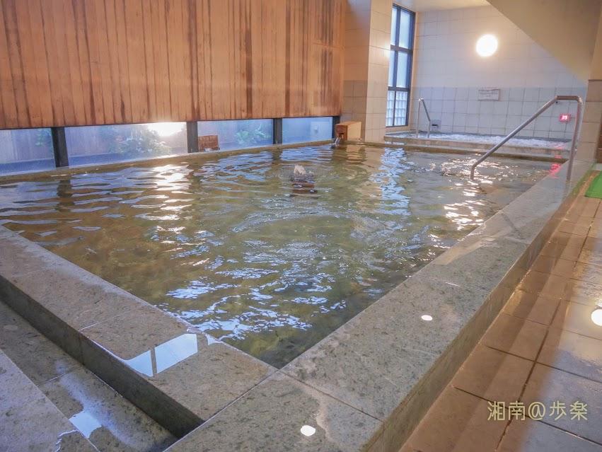 湘南台温泉 らく 大浴場の深さと肌触り・広さがなんとも寛げる