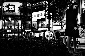 Photo: 鎖で繋がれて The Chained  Tokyo Street Shooting  Location; #Shinjuku , #Tokyo , #Japan   #photo #photography #streetphotography #streettogs  #leica #leicaimages #leicammonochrom #leicamonochrom #leicamonochrome