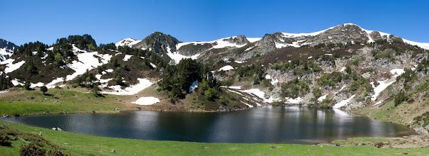 Photo: Donasà:  estany de Rabassoles i pic de Tarbesó
