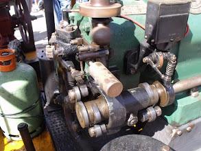 Photo: Le régulateur à boules en action sur le moteur précédent