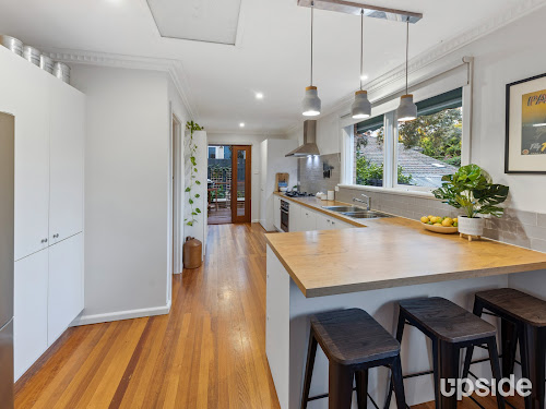 Photo of property at 4/25 Rockbeare Grove, Ivanhoe 3079