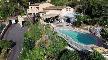 Villa 300 m2