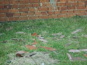 Photo: rozbité ze střechy