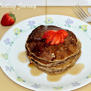Oatmeal Banana Whole Wheat Pancakes – Egg Less Pancake