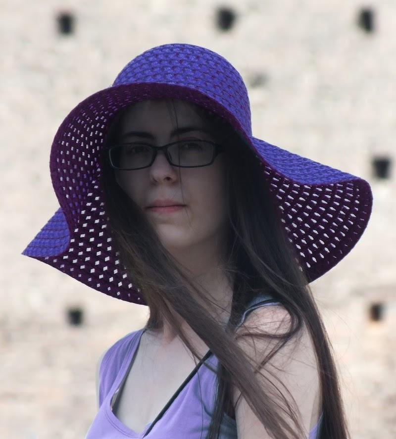 La ragazza col cappello di Giò Volpi