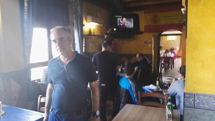 Carlos Fernández, propietario de la casa de comidas ubicada junto a la Autovía A7.