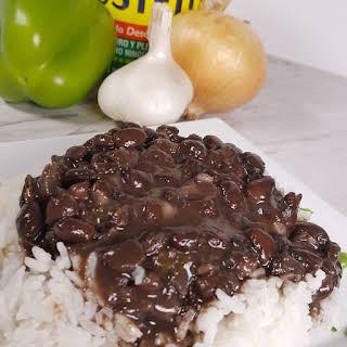 Pressure Cooker Cuban Black Beans {Frijoles Negros}.