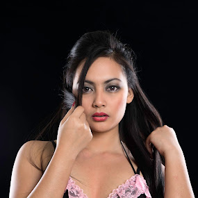 Philipina by Avi Chatterjee - People Portraits of Women ( lust, lingerie, philipina, close-ups, portrait )