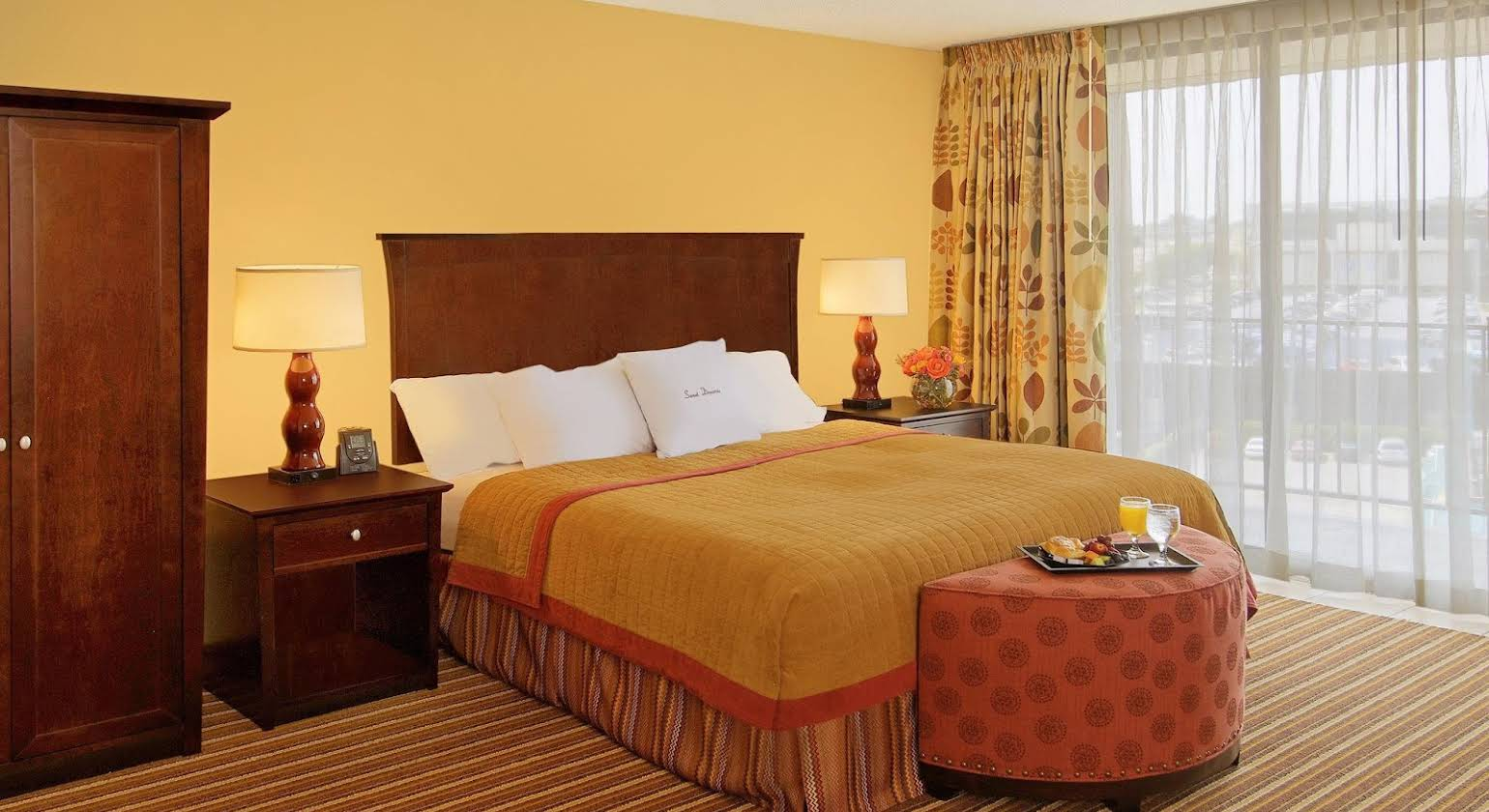 DoubleTree Suites by Hilton Omaha