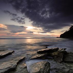 Nipah sunset 2 by Rizal Amir - Landscapes Sunsets & Sunrises ( sunset, beautiful, lombok, beach, landscape )
