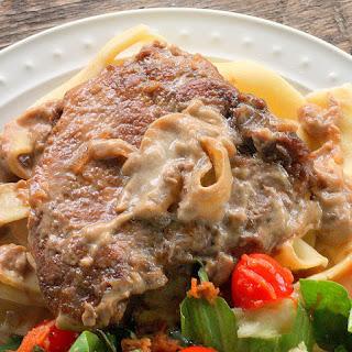 Pork Chops in Sour Cream Sauce