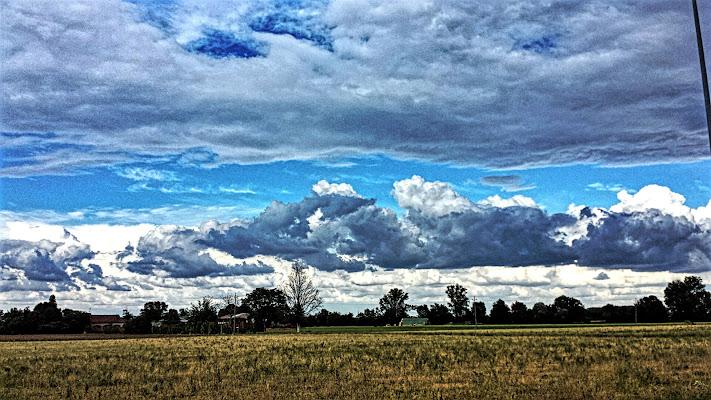 l'azzurro nelle nuvole di T.L.