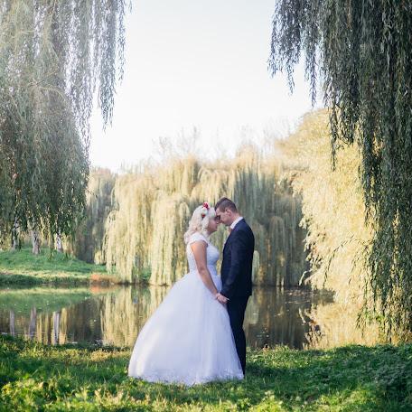 Wedding photographer Oksana Tarak (tarak777). Photo of 11.01.2018