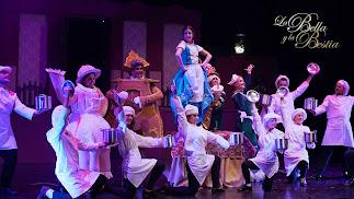 Espectáculo La Bella y la Bestia en el Teatro Auditorio de Roquetas de Mar.