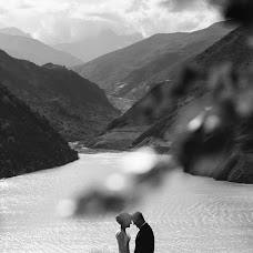 Wedding photographer Oleg Svetlov (SvetLove). Photo of 18.09.2015