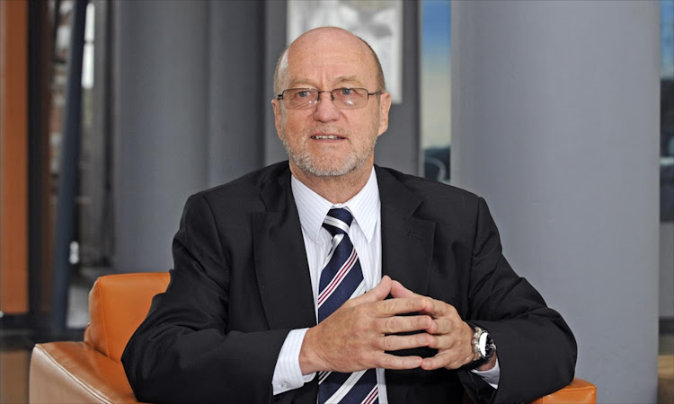 "Tourism minister Derek Hanekom faced backlash on Twitter after posting photos of a ""filthier"" Johannesburg."