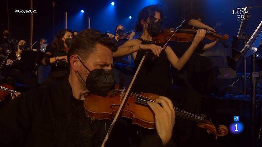 El violinista de la OCAL actuó en los Goya como concertino de la Orquesta Sinfónica de Málaga.