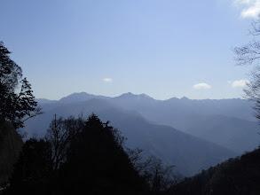 左から加加森山、池口岳、鶏冠山