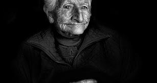 Gloria Sevilla, la comadrona del barrio de Pescadería.