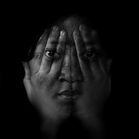 nascondere by Bonifasius Wahyu Fitrianto - Digital Art People