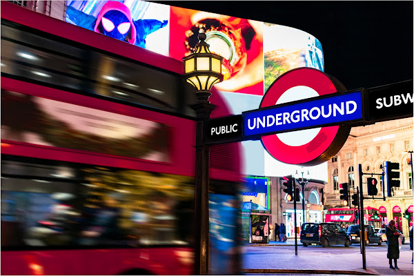 Un double-decker bus a Londra di peppe_pagano09
