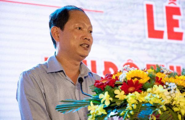 2. Ông Trần Thanh Nhã - Bí thư huyện ủy - Chủ tịch UBND huyện Châu Phú cam kết sẽ cải cách chính sách thu hút đầu tư - Copy