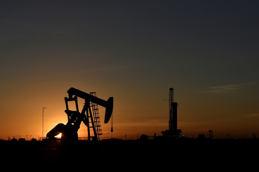 Oil edges higher, but is set for weekly decline