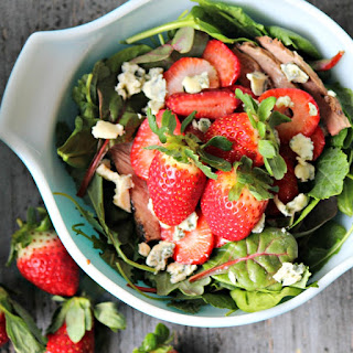 Strawberry Steak Salad #SundaySupper