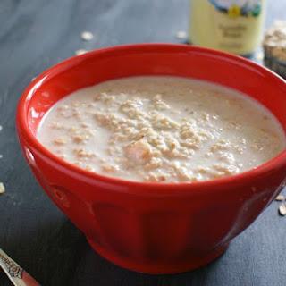 Creamy Vanilla Overnight Oats (Just 2 ingredients!).