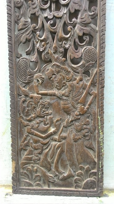 Koleksi Ukiran kayu motif Pewayangan