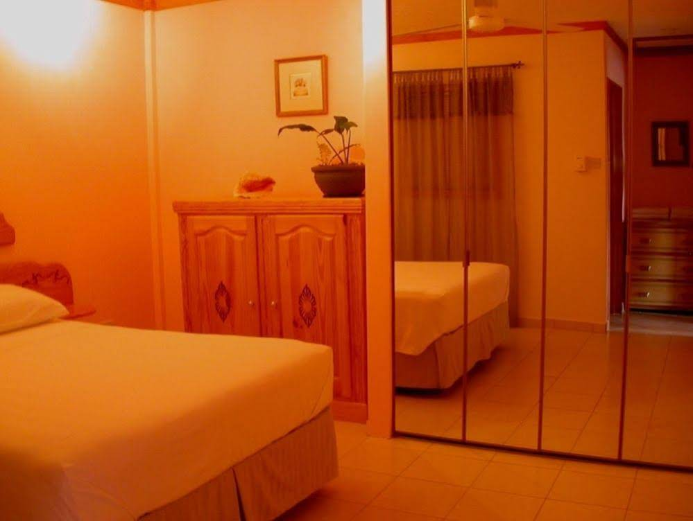 Fond Bay Suites and Villa