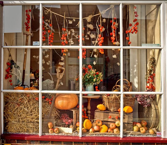 Fall Retail Display Ideas