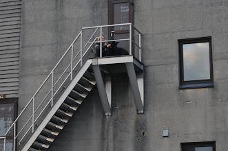 Photo: Torhild og Bonnie på toppen av ei veldig høy trapp