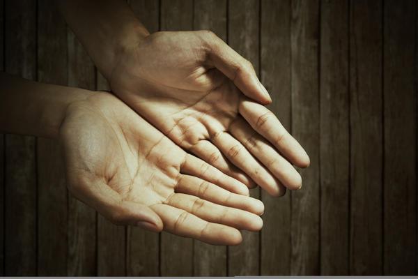 #8) Moles on palms