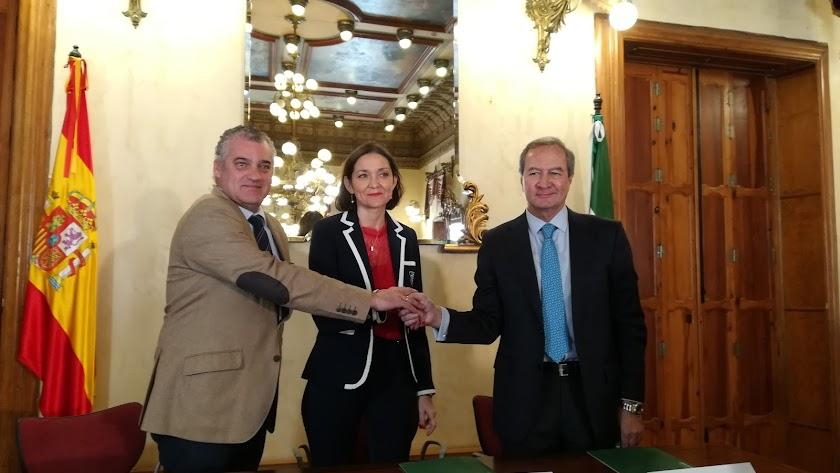 El pacto por el empleo industrial en Gádor se oficializó ayer