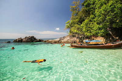 Snorkeling Day Tour to the Maldives of Thailand by Longtail Boat from Koh Lipe